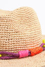 Light raffia hat with strands